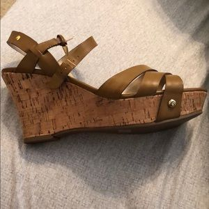 Camel Guess wedges